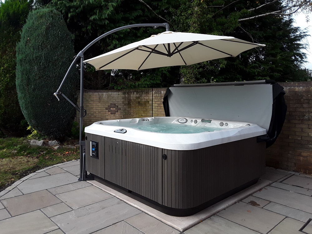 Oyster Pools & Hot Tubs Ltd installation photo