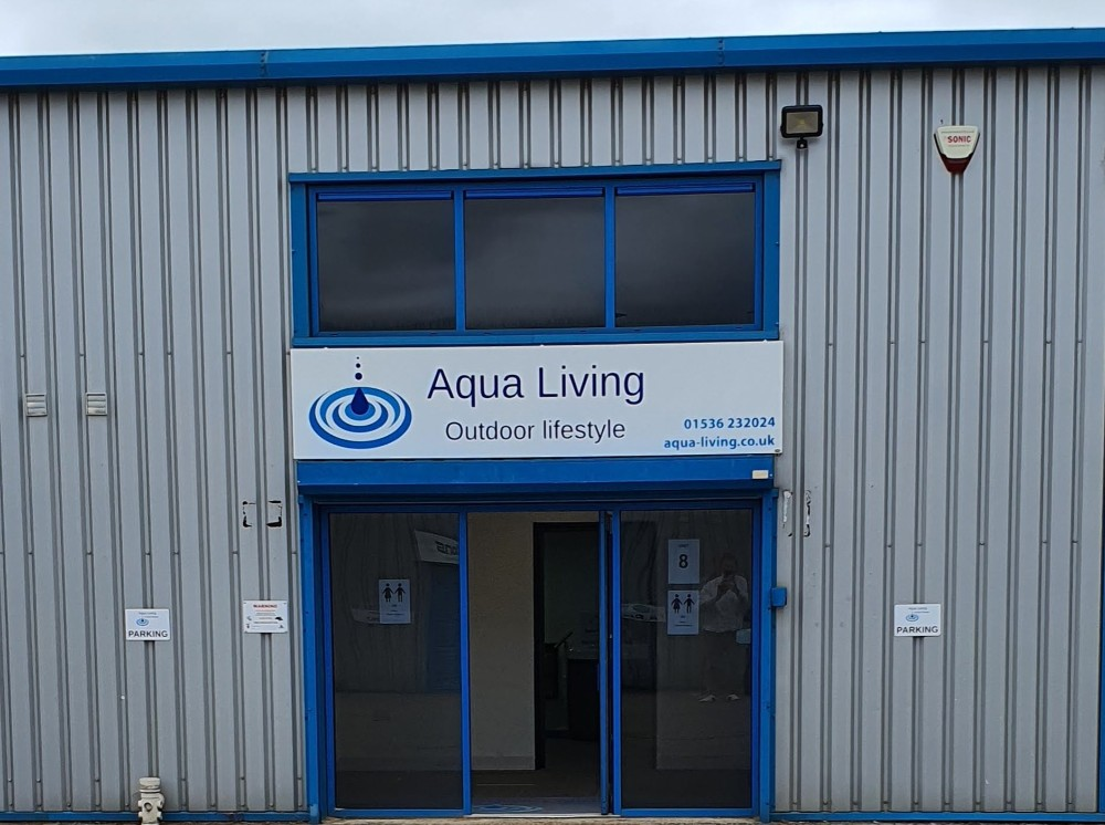 Aqua Living showroom photo