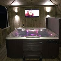 Oasis Hot Tubs & Spas installation photo