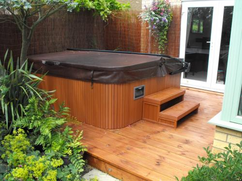 Jacuzzi Cambridgeshire installation photo