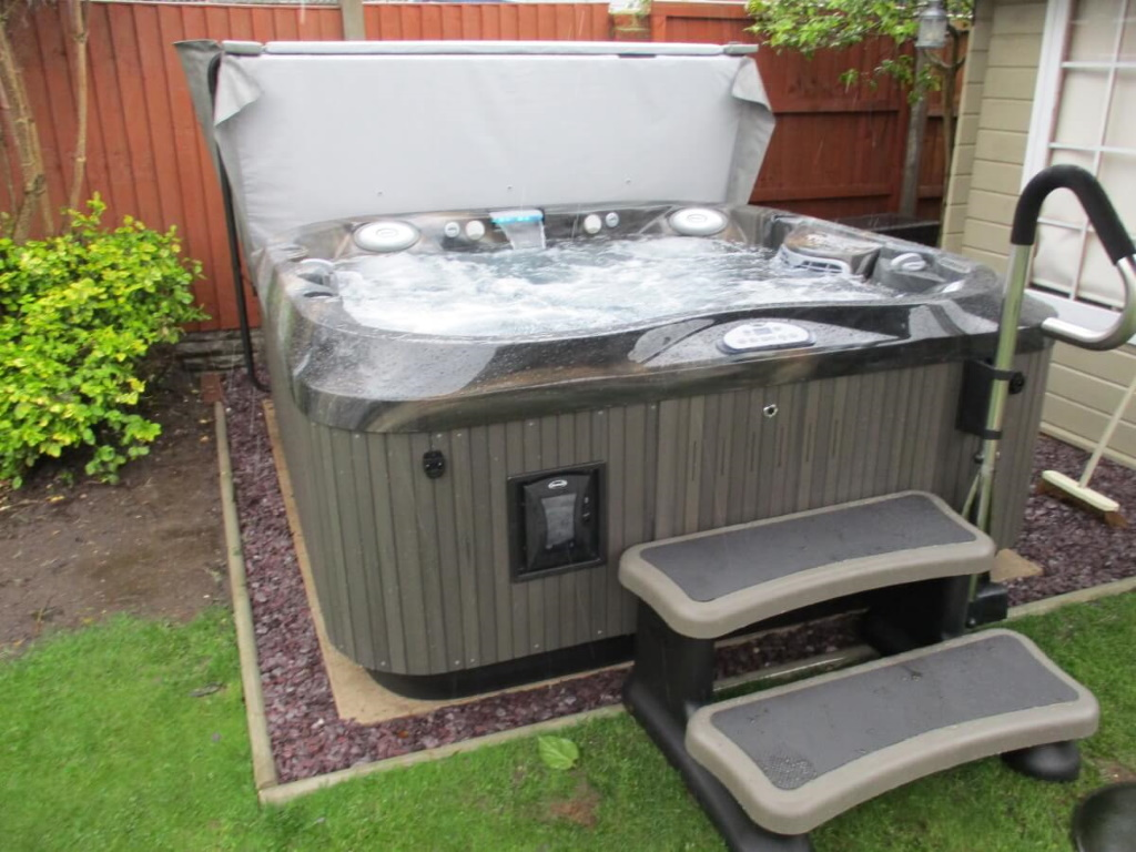 Jacuzzi Hot Tub Centre  installation photo